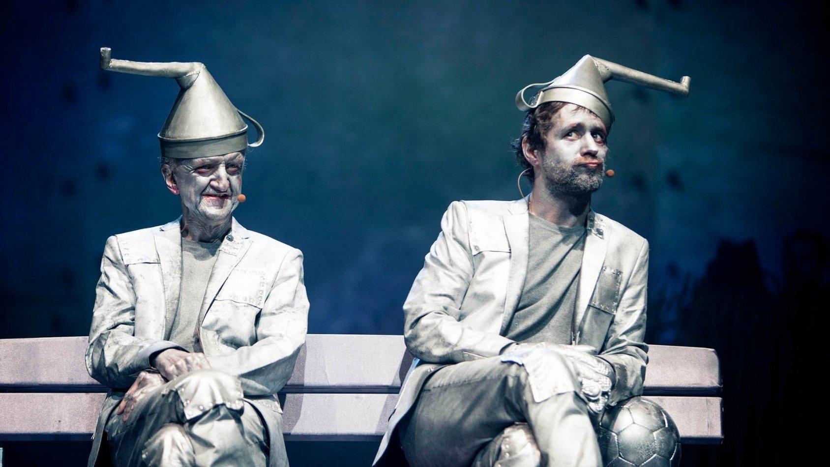 Glada Hudik - Trollkarlen på turné